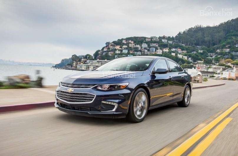 Đánh giá xe Chevrolet Malibu 2018: Các phiên bản đều mang đến cảm giác dễ lái và tự tin.
