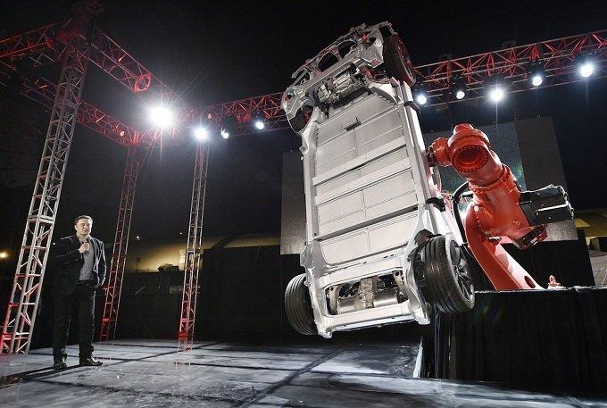 Tesla hiện đã vượt qua Ford và đang cạnh tranh với General Motors.