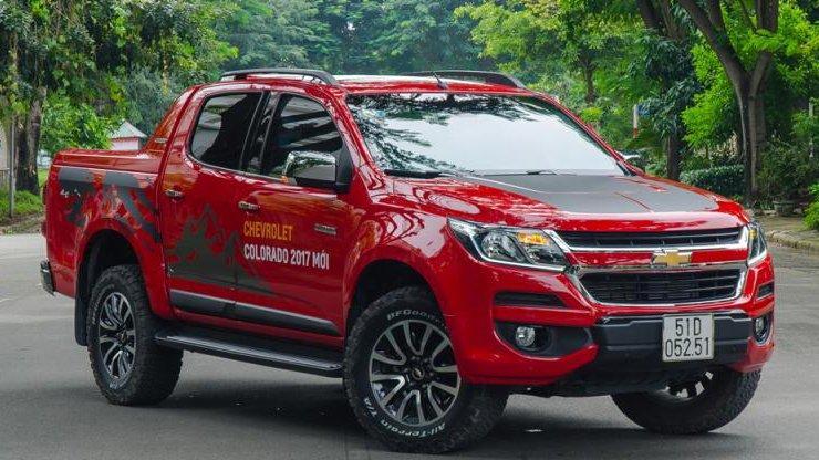 So sánh Mitsubishi Triton MIVEC 2017 và Chevrolet Colorado High Country 2017 - Xe cơ động và xe địa hình 2