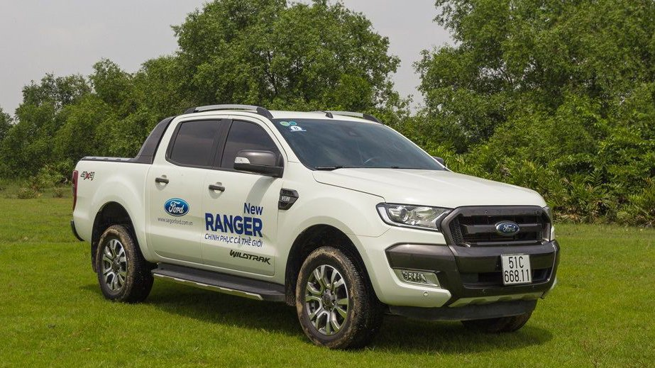 So sánh ngoại thất xe Chevrolet Colorado 2017 và Ford Ranger 2017 - Tân binh khiêu chiến 2