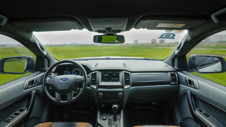 So sánh nội thất xe Chevrolet Colorado 2017 và Ford Ranger 2017: Xe gia đình và xe cá nhân 2