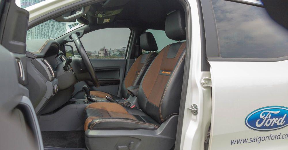 So sánh Chevrolet Colorado 2017 và Ford Ranger 2017 về thiết kế ghế ngồi 2