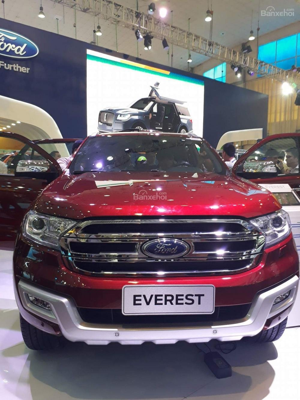 Bảng giá xe Ford Everest, tặng BHTV 61tr, phụ kiện, trả góp 85% LS thấp. Tel: 0919.263.586-3