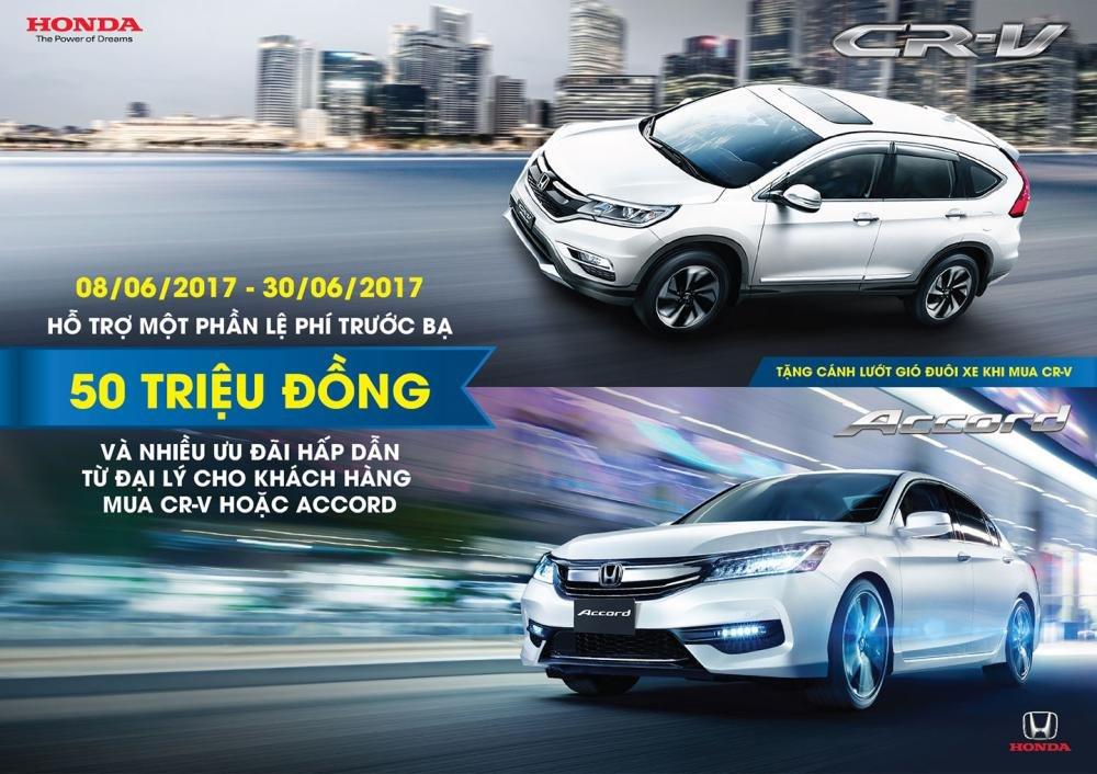 """""""Tặng"""" 50 triệu đồng cho khách hàng mua Honda CR-V và Accord."""