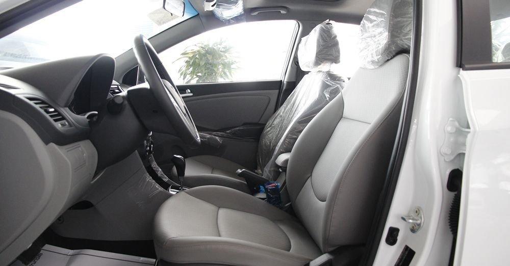 So sánh xe Honda City 2017 và Hyundai Accent 2017 về ghế xe 2