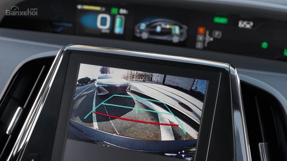 Đánh giá xe Toyota Prius 2017 về tính năng an toàn a2