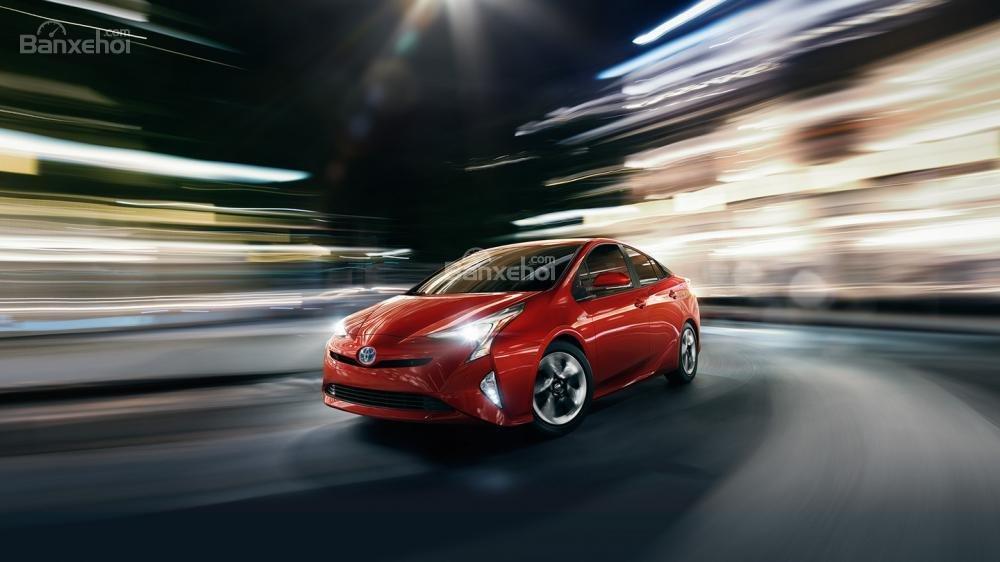 Toyota Prius 2017 phải hy sinh mặt tốc độ để cải thiện mức tiết kiệm nhiên liệu.