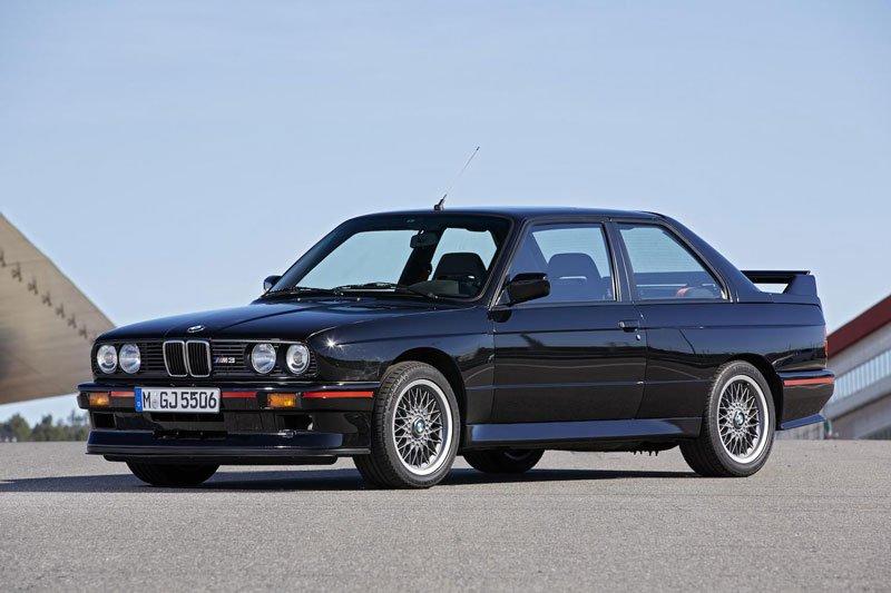 Khám phá 10 mẫu ô tô làm nên danh tiếng của BMW 2