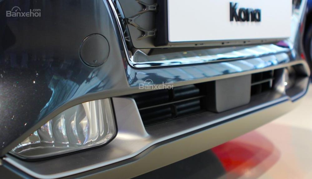 Đánh giá xe Hyundai Kona 2018: Chắn bùn phía trước.