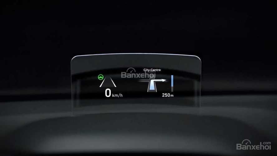 Đánh giá xe Hyundai Kona 2018: Hệ thống giải trí trên xe hiện đại.