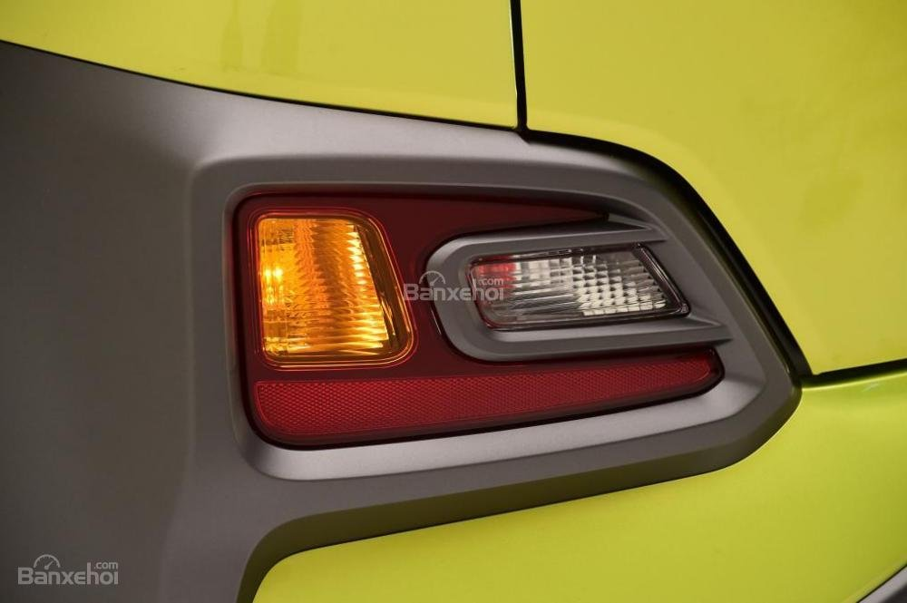 Đánh giá xe Hyundai Kona 2018: Cụm đèn trang trí phía sau.