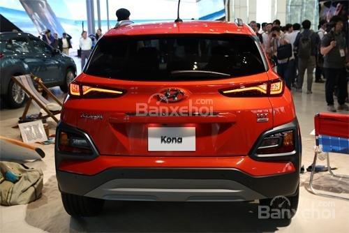 Đánh giá xe Hyundai Kona 2018: Cận cảnh thiết kế đuôi xe.