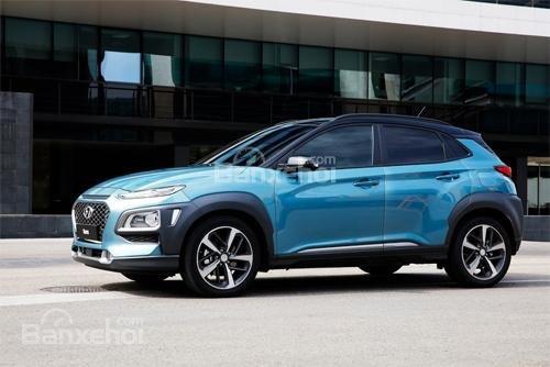 Đánh giá xe Hyundai Kona 2018: Thân xe mang đậm thiết kế của một chiếc SUV.