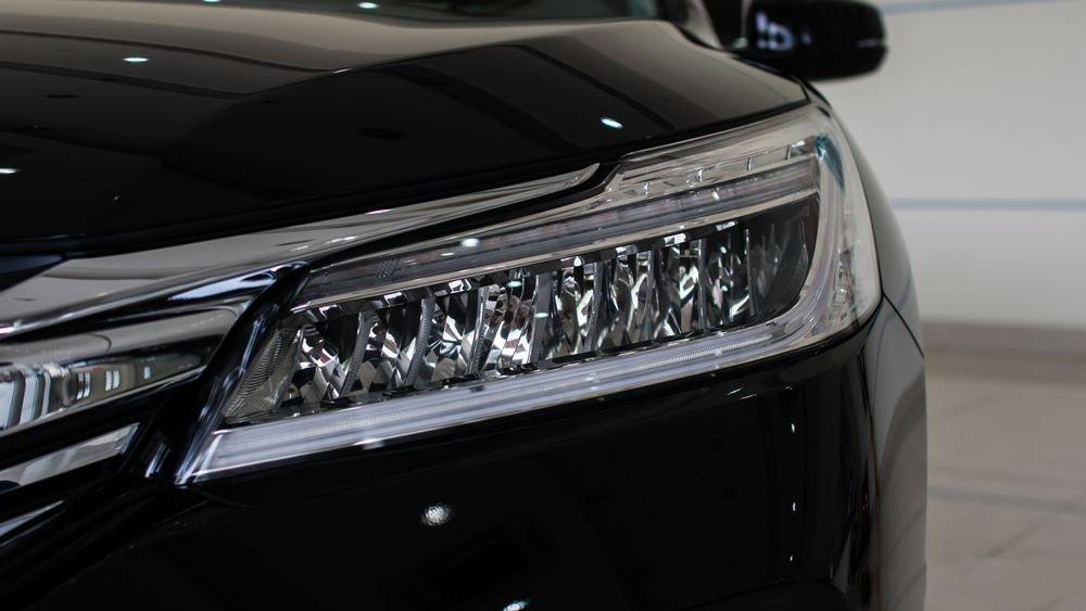 Đánh giá xe Honda Accord 2017: Thiết kế đèn pha dạng LED hiện đại g353