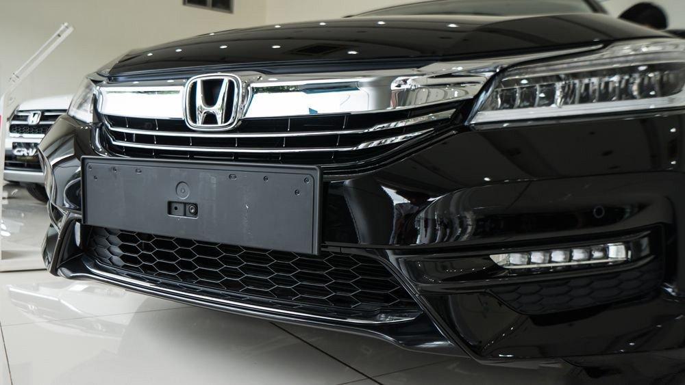 Đánh giá xe Honda Accord 2017: Lưới tản nhiệt g352