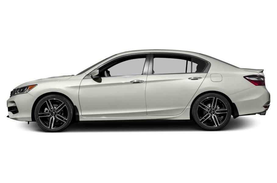 Đánh giá xe Honda Accord 2017: Thân xe khỏe khoắn h3453