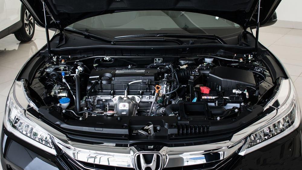 Đánh giá xe Honda Accord 2017: Xe có nhiều phiên bản động cơ h764