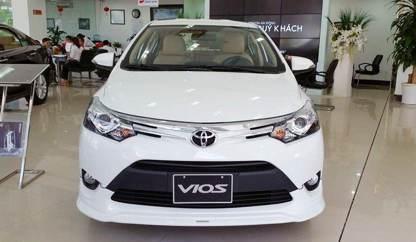 So sánh xe Honda City 2017 và Toyota Vios 2017 về đầu xe 2