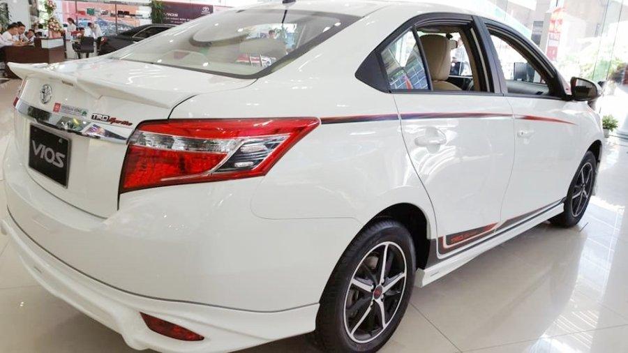 So sánh xe Honda City 2017 và Toyota Vios 2017 về thân xe 3