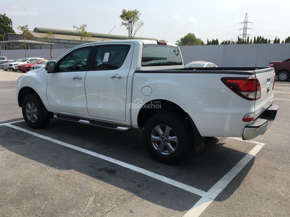 Bán xe Mazda BT 50 2.2, số sàn, nhập khẩu, mới 100%, giá cực tốt tại Bình Dương (6)