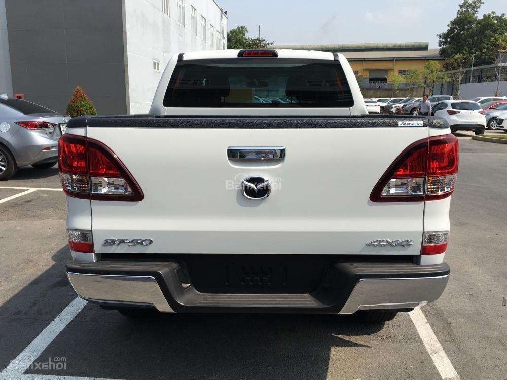 Bán xe Mazda BT 50 2.2, số sàn, nhập khẩu, mới 100%, giá cực tốt tại Bình Dương (7)