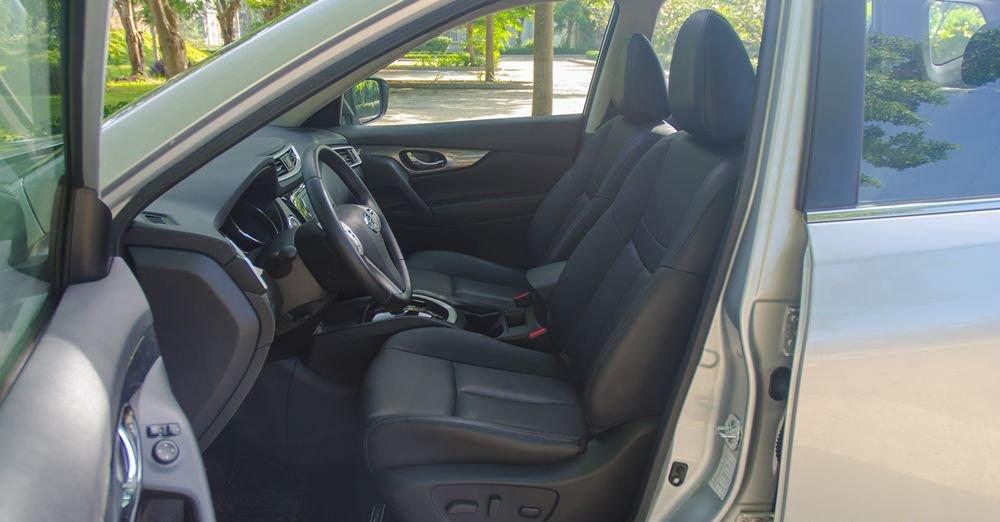 So sánh xe Hyundai Santa Fe 2017 và Nissan X-Trail 2017 về ghế xe 3