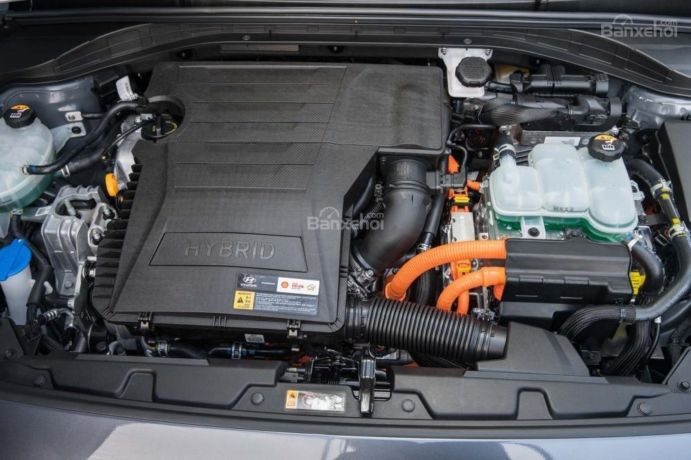 Hyundai Ioniq Hybrid 2017 cho sức mạnh tổng là 139 mã lực.