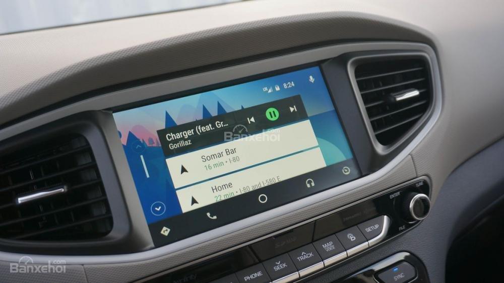 Hyundai Ioniq 2017 sở hữu màn hình thông tin giải trí 7 inch a1