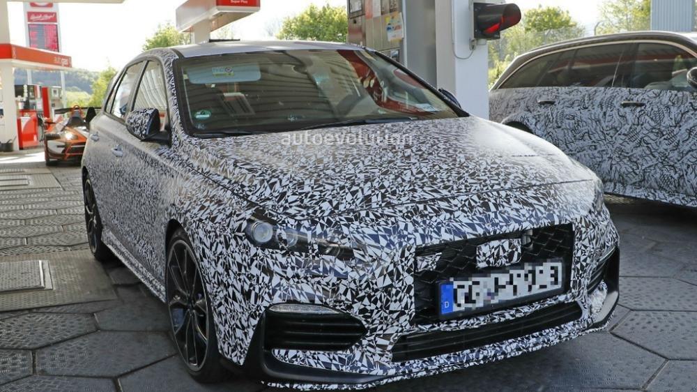 """Hyundai i30 N """"lộ nguyên hình"""" qua video mới nhất trên đường đua Nurburgring f756"""