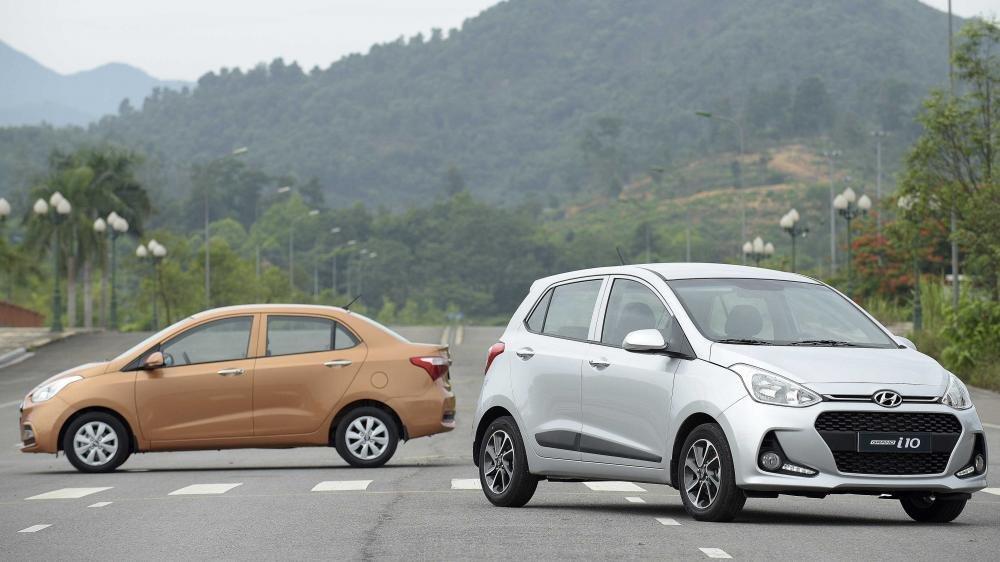 So sánh xe Hyundai Grand i10 2017 và Kia Morning 2017: Xe cá nhân và xe gia đình.