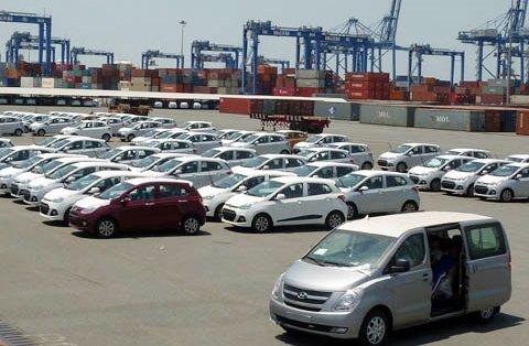 Việt Nam đang nhập khẩu xe hơi rẻ nhiều nhất từ trước đến nay t589