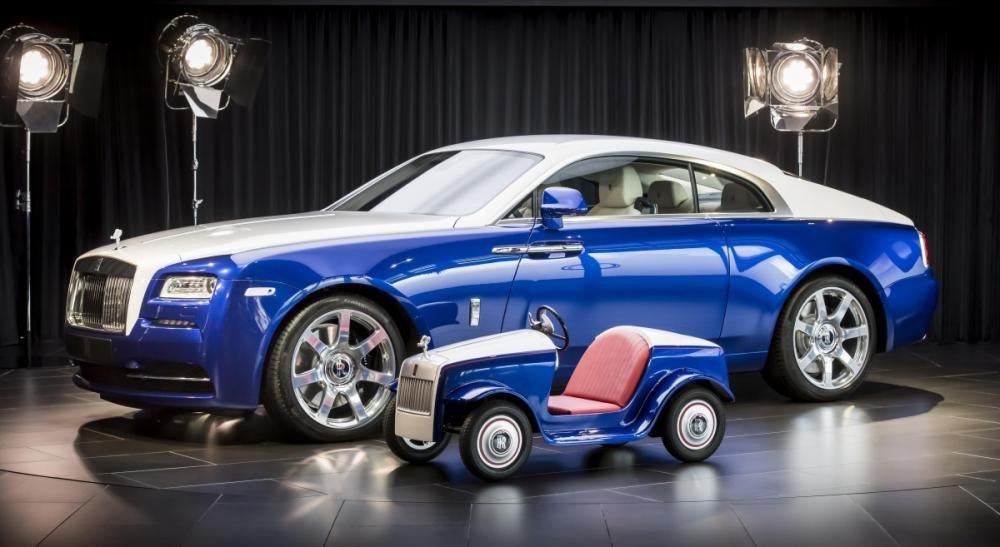 Khách hàng mua xe Rolls-Royce đang trẻ hóa.