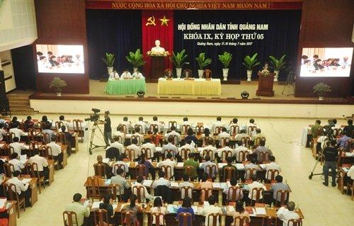 Sau Vĩnh Phúc đến Quảng Nam lo hụt thu ngàn tỷ vì thuế ô tô f12