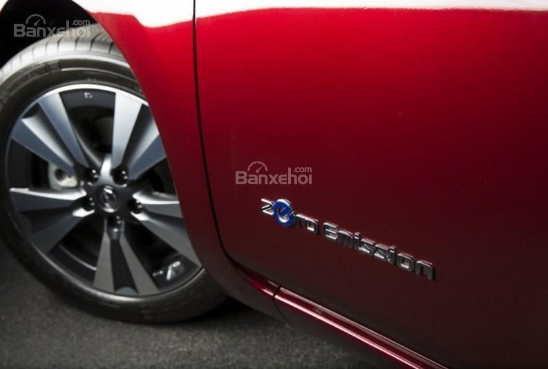 Đánh giá xe Nissan Leaf 2017: mâm hợp kim.