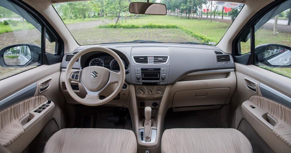Khoang nội thất Suzuki Ertiga 2017 không có nhiều thay đổi so với trước đó.