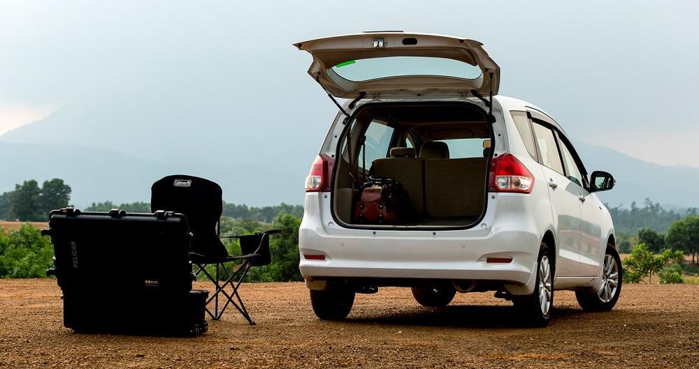 Suzuki Ertiga 2017 có khoang hành lý khá rộng.