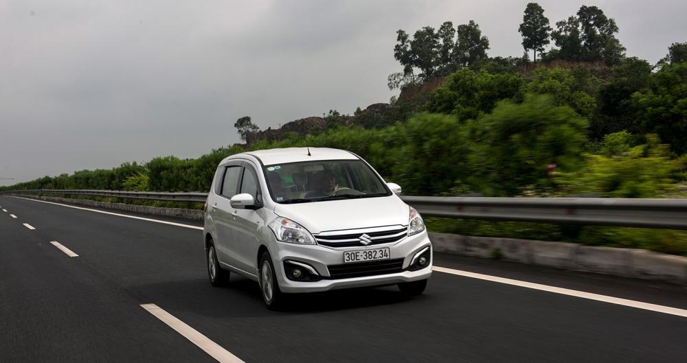 Hệ thống an toàn trên Suzuki Ertiga 2017 ở mức cơ bản.