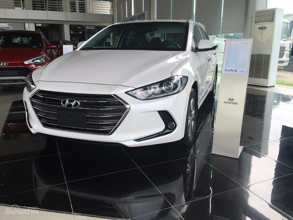 Hyundai Long Biên-Hyundai Elantra 2018, giá tốt nhất thị trường, KM lớn, hỗ trợ trả góp 90%, LS thấp: 0913311913-3