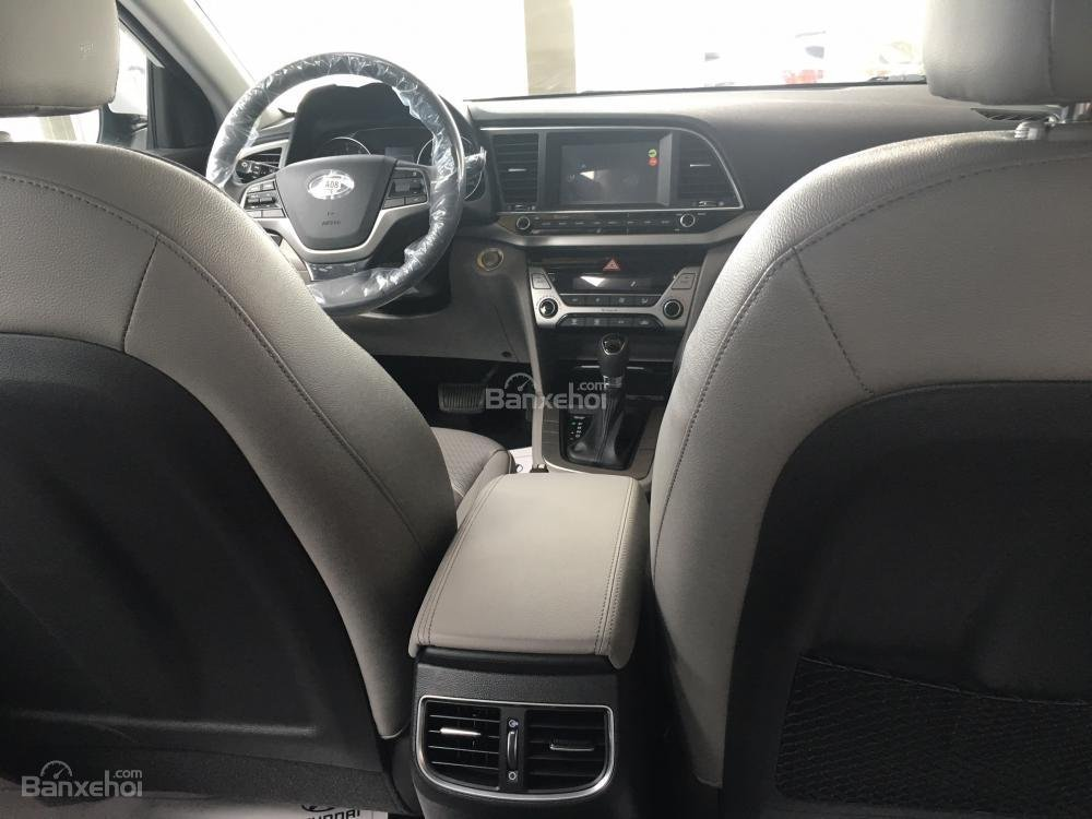 Hyundai Long Biên-Hyundai Elantra 2018, giá tốt nhất thị trường, KM lớn, hỗ trợ trả góp 90%, LS thấp: 0913311913-6