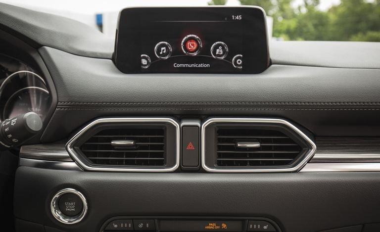 Đánh giá xe Mazda CX-5 2018: Bảng táp-lô trẻ trung 122a