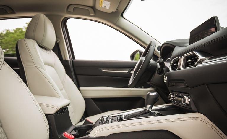 Đánh giá xe Mazda CX-5 2018: Ghế ngồi mang đến cảm giác thoải mái a166