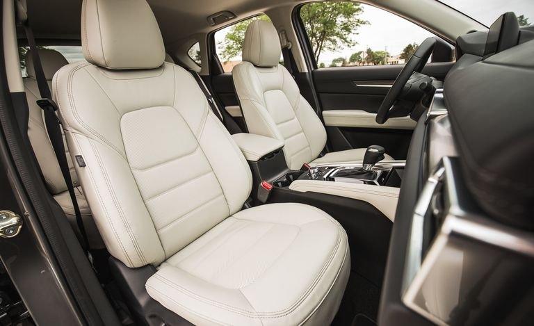 Đánh giá xe Mazda CX-5 2018: Ghế ngồi xe bọc da cao cấp a116
