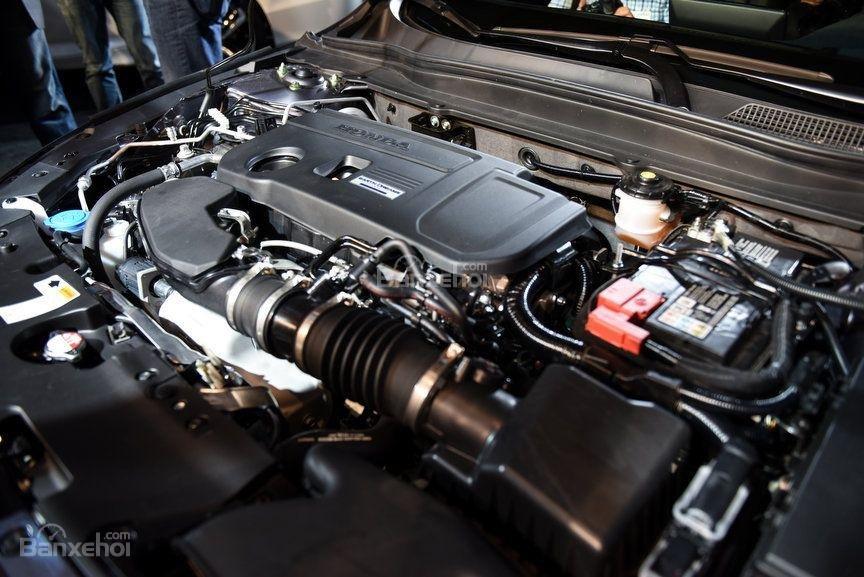 Đánh giá xe Honda Accord 2018: Xe không được cung cấp động cơ V6.