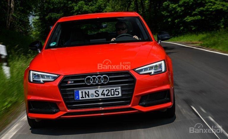 Đánh giá xe Audi S4 2018: Thiết kế đầu xe.