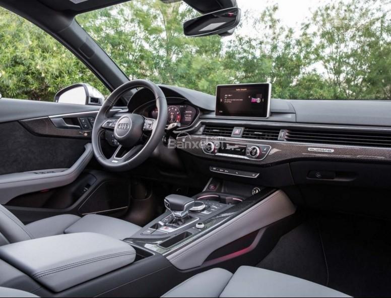 Đánh giá xe Audi S4 2018: Nội thất xe với chất liệu sang trọng.