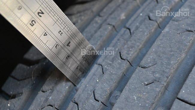 Đâu là thời điểm cần thay mới lốp xe ô tô? a3