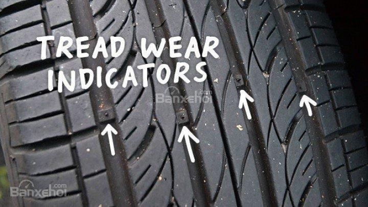 Đâu là thời điểm cần thay mới lốp xe ô tô? a2