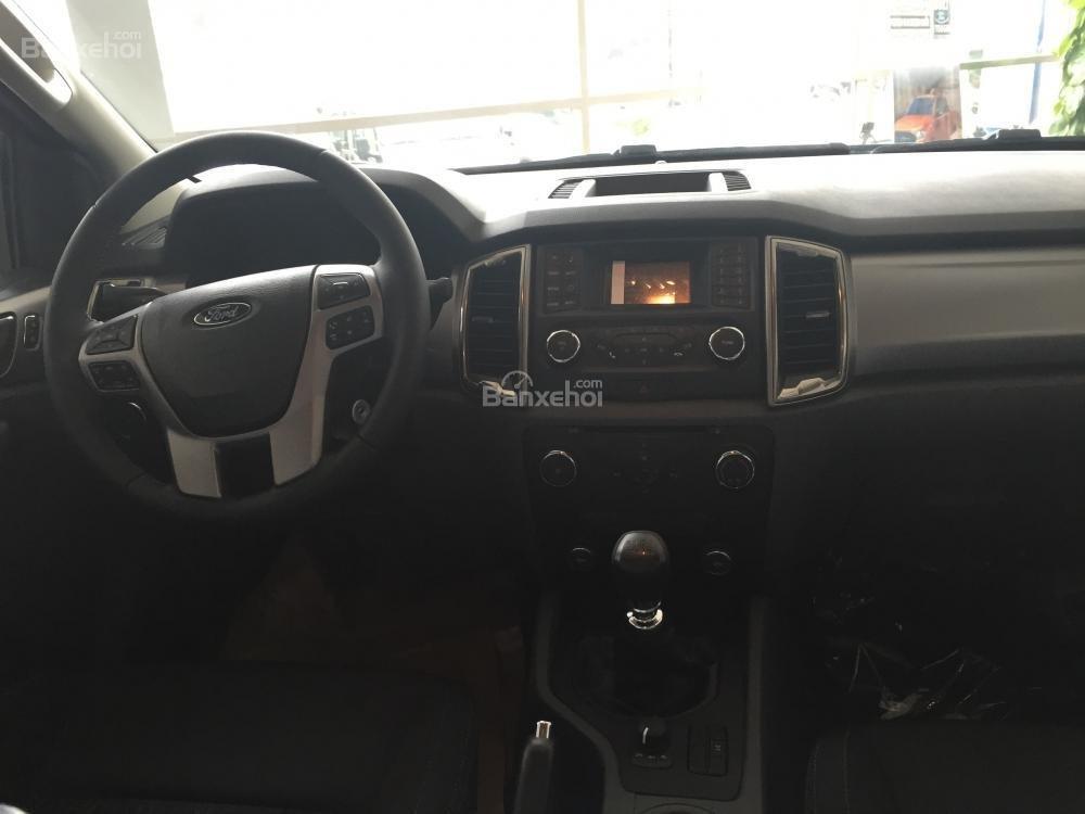 Ford Hà Giang bán xe Ford Ranger 2 cầu, số sàn, trả góp tại Hà Giang, thủ tục nhanh gọn (4)