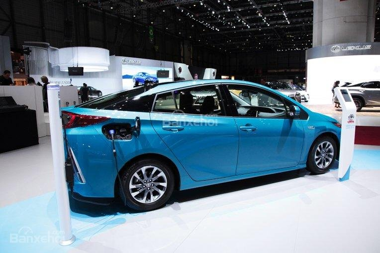 6 tháng đầu năm 2017, Toyota Prius Prime là mẫu xe plug-in bán chạy nhất trên toàn cầu.