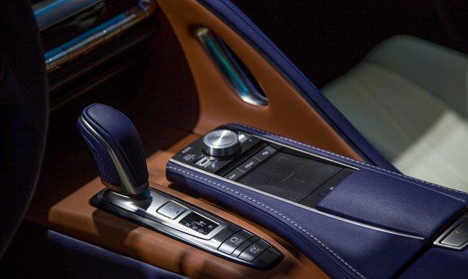 Lexus LC 500h sở hữu khoang nội thất sang trọng, tiện nghi và hiện đại hơn A2